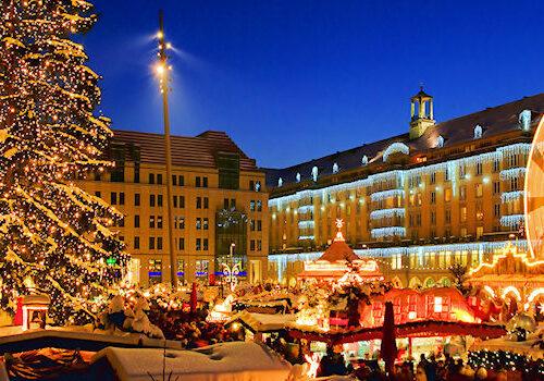 Der Dresdner Striezelmarkt ist einer der ältesten Weihnachtsmärkte Deutschlands.