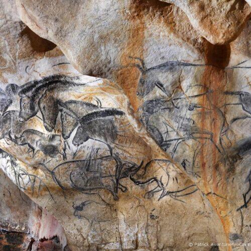 Höhlenmalereien aus der Steinzeithöhle Caverne du Pont-d'Arc in Südfrankreich