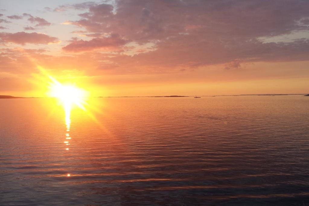Sonnenuntergang bei der Abreise aus Norwegen