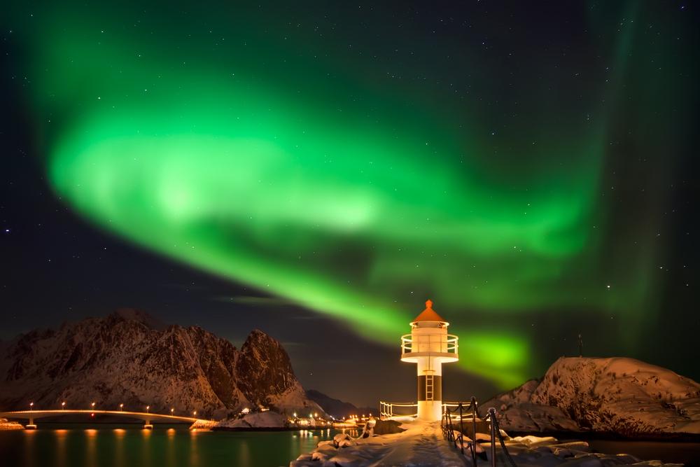 Polarlicht über den Lofoten in Nord-Norwegen