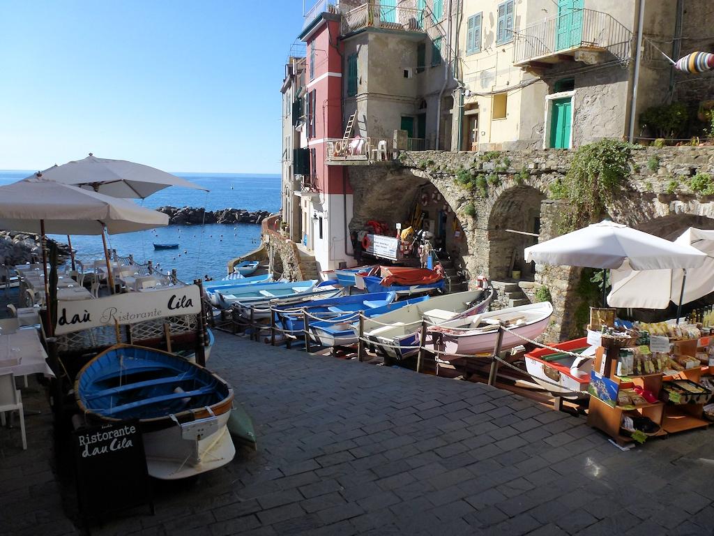 Cinque Terre: Im Hafen von Riomaggiore