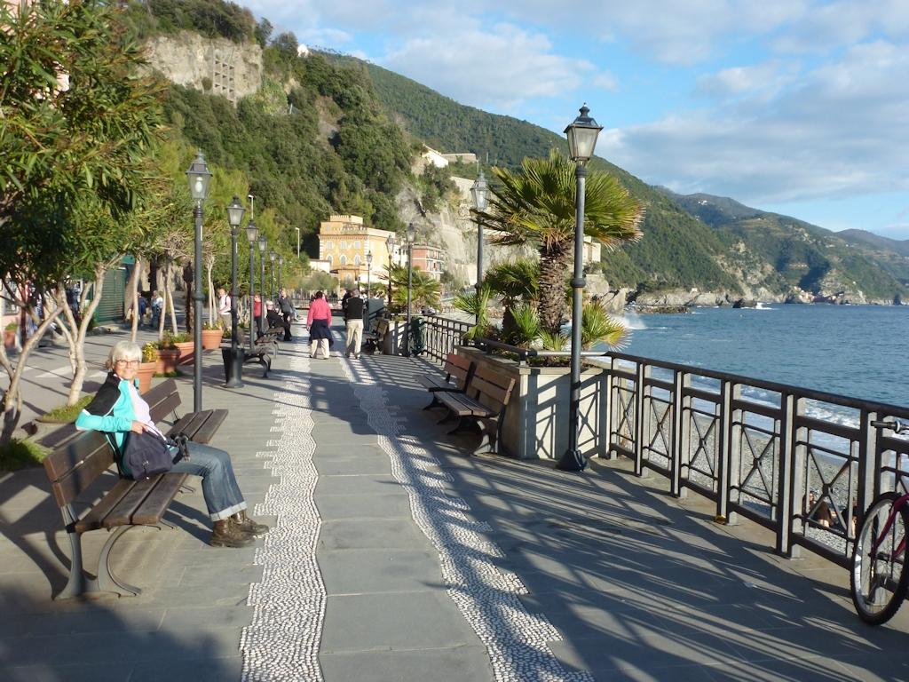 Cinque Terre: Monterosso al Mare Strandpromenade