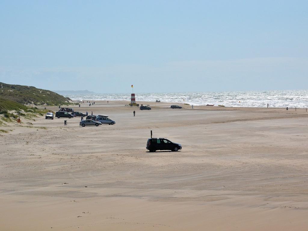 Auch am Tornby Strand kann man mit dem Auto fahren