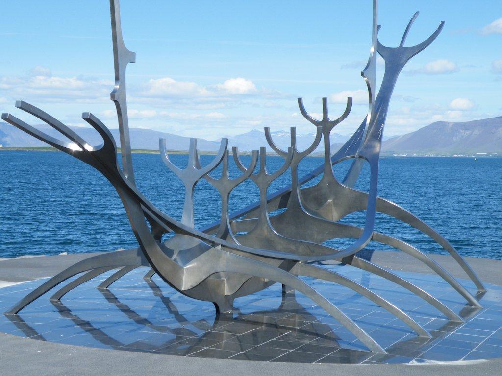 "Skulptur ""The Sun Voyager"" in Reykjavík"