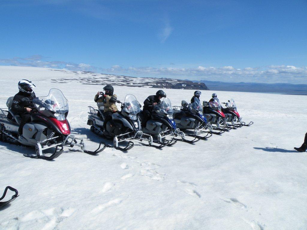 Fahrt mit Snowmobil auf dem Gletscher Langjökull