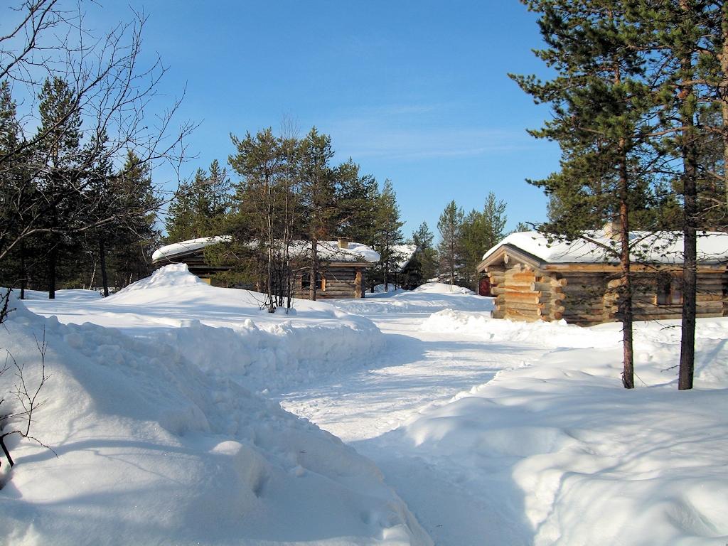 Blockhütten-Dorf bei Kakslauttanen