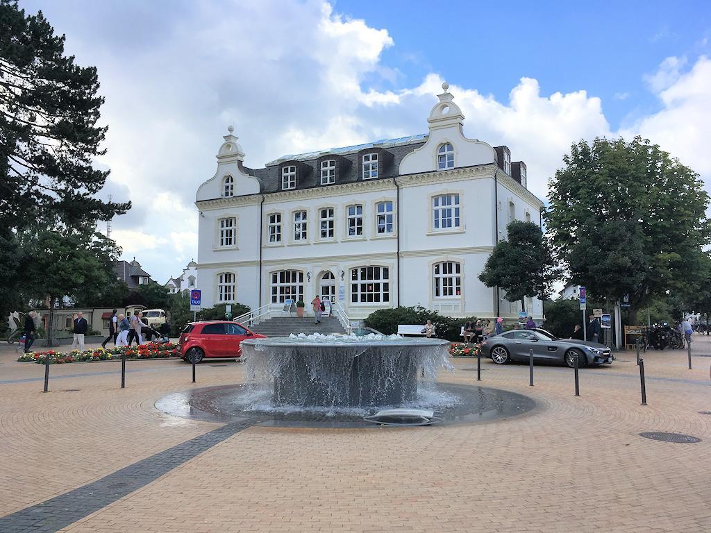 Haus der Kurverwaltung im Timmendorfer Strand