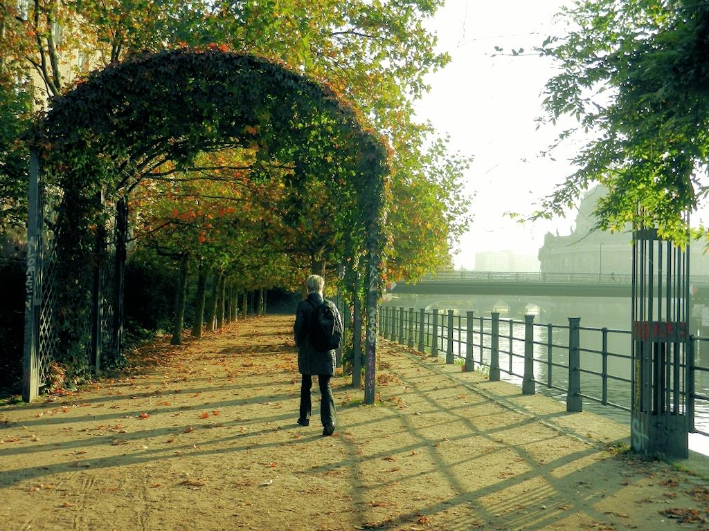Berlin in 24 Stunden - Laubengang am Schiffbauerdamm