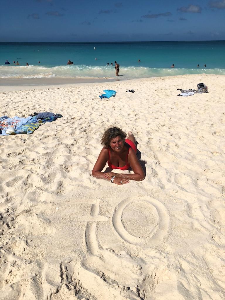 """Barbara """"feiert"""" Ihren Geburtstag am Strand von Aruba"""