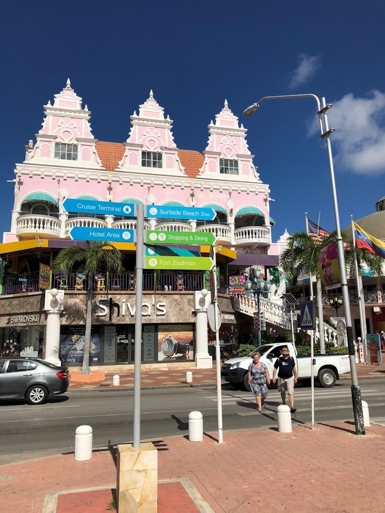Häuser in Oranjestad auf Aruba