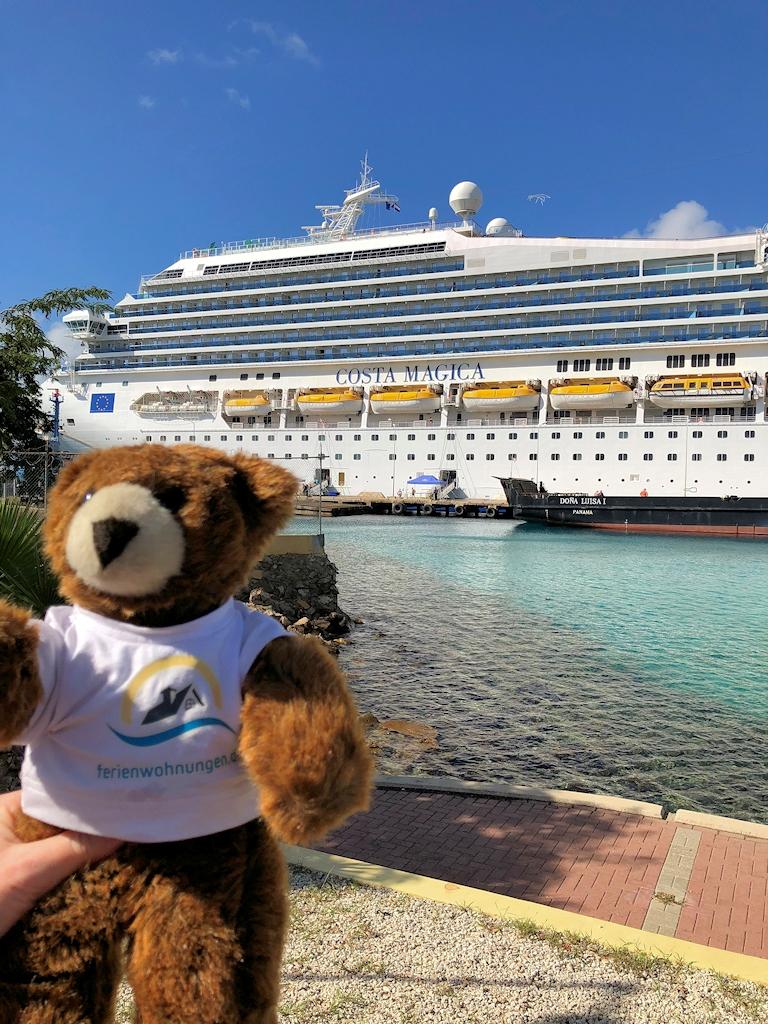 Das Kreuzfahrtschiff Costa Magica
