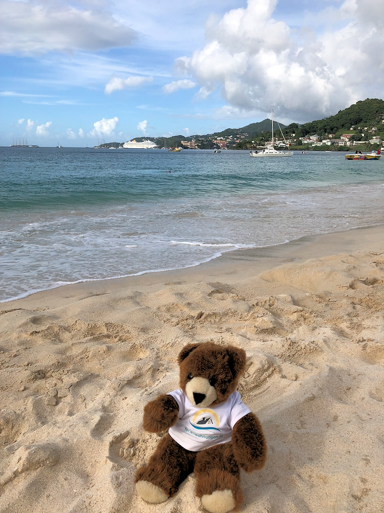 Am Strand der Karibikinsel Grenada