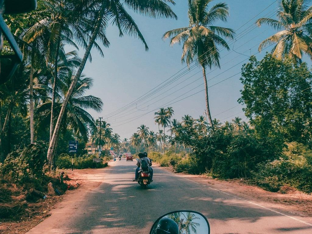 Rollertour an der Küste Goas