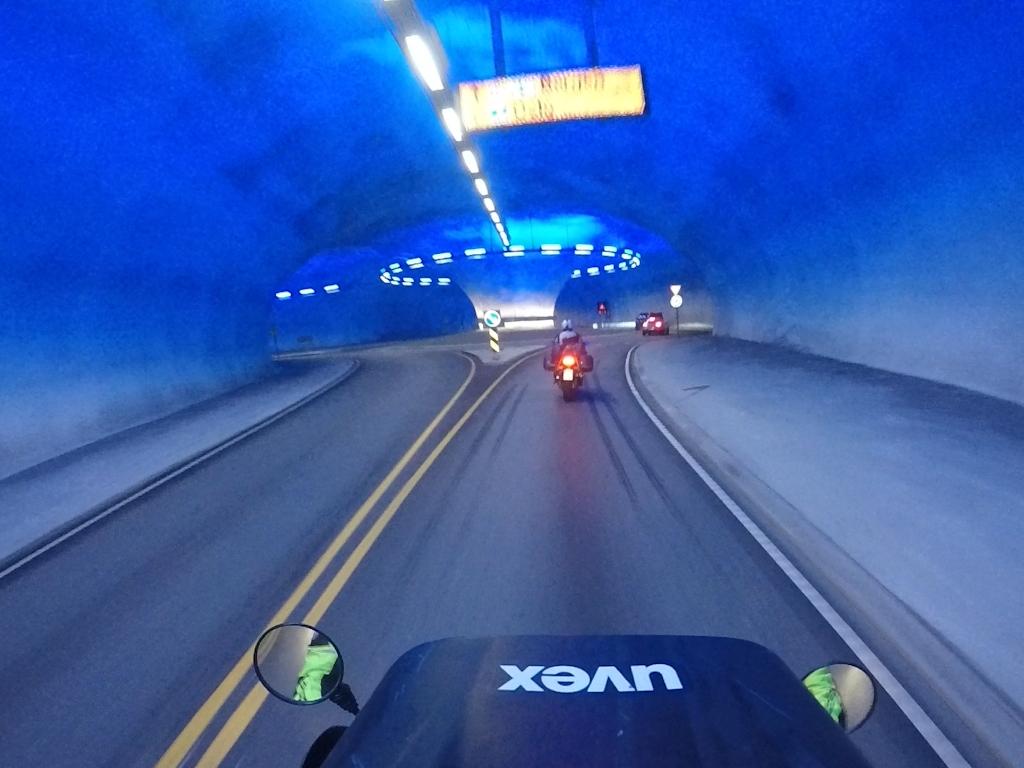 Kreisverkehr im Tunnel unter der Hardangervidda