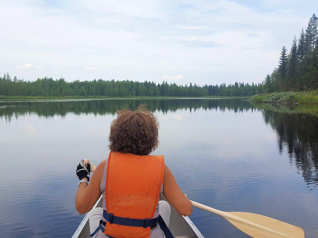 Kanutour auf einem der vielen Seen in Mittelschweden