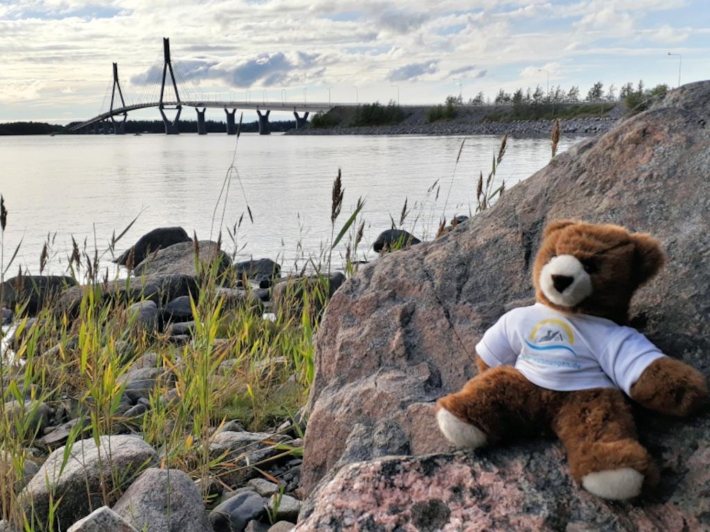 An der Raippaluoto-Brücke