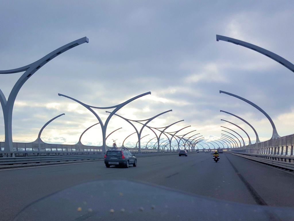 Brücke auf der Schnellstraße nach Sankt Petersburg