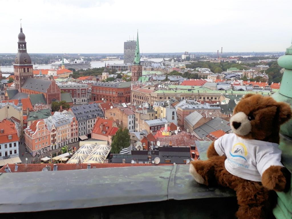 Ausblick vom Turm der Petrikirche auf den Fluss Daugava