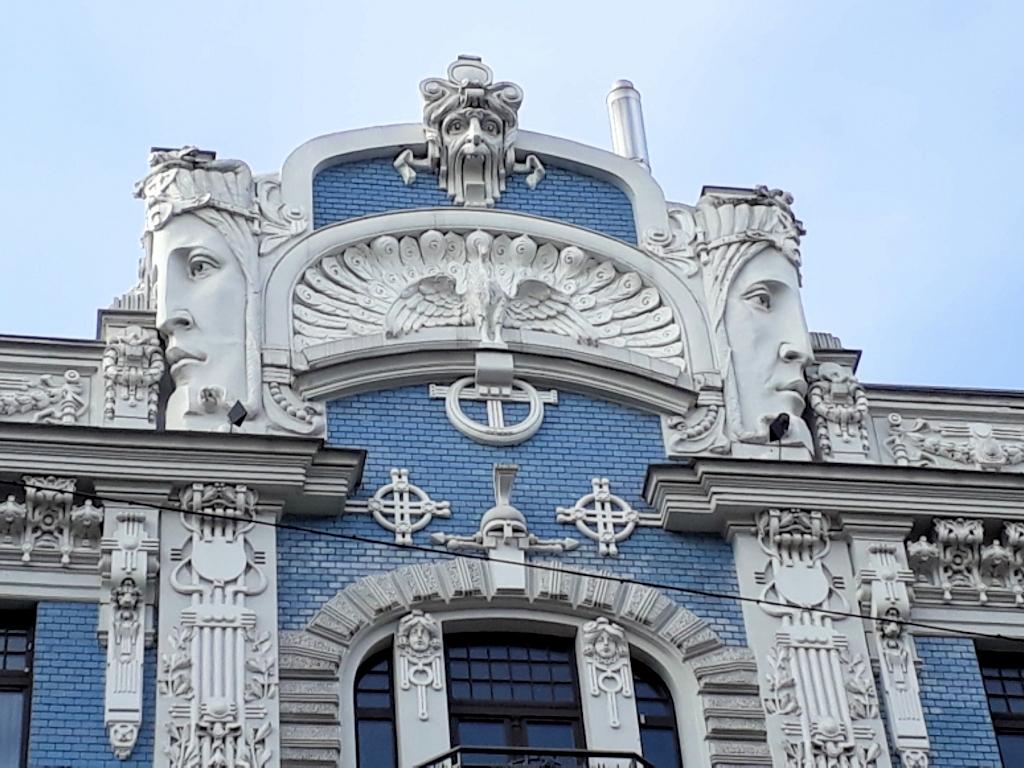 Prachtgiebel einer Jugendstilvilla in Riga