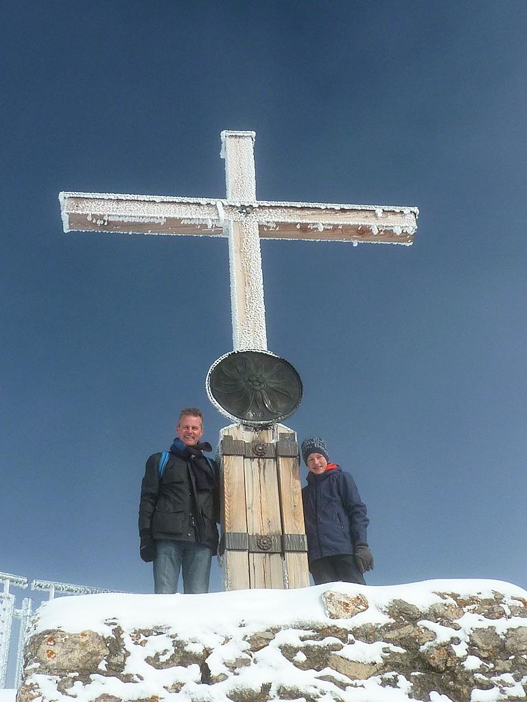 Am Gipfelkreuz des Nebelhorn