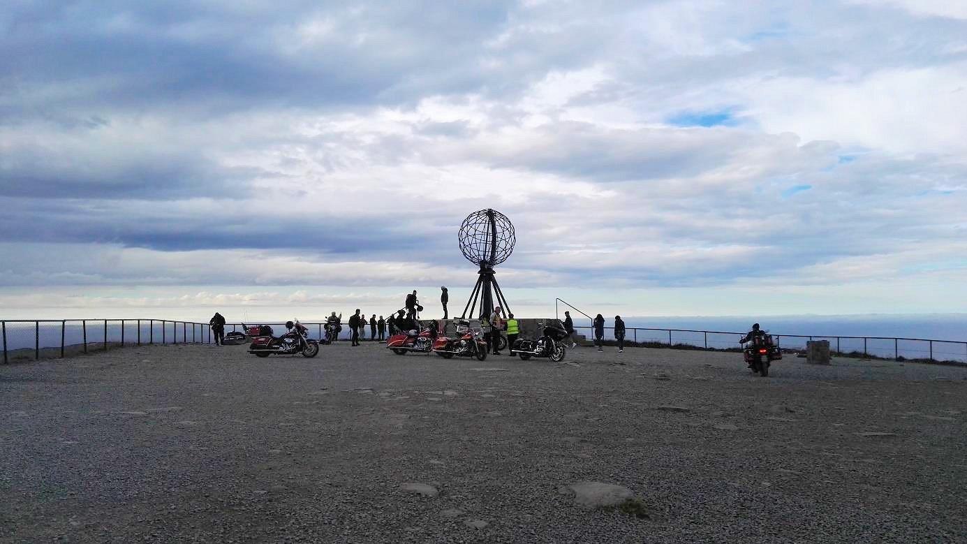 Die berühmte Weltkugel am Nordkap