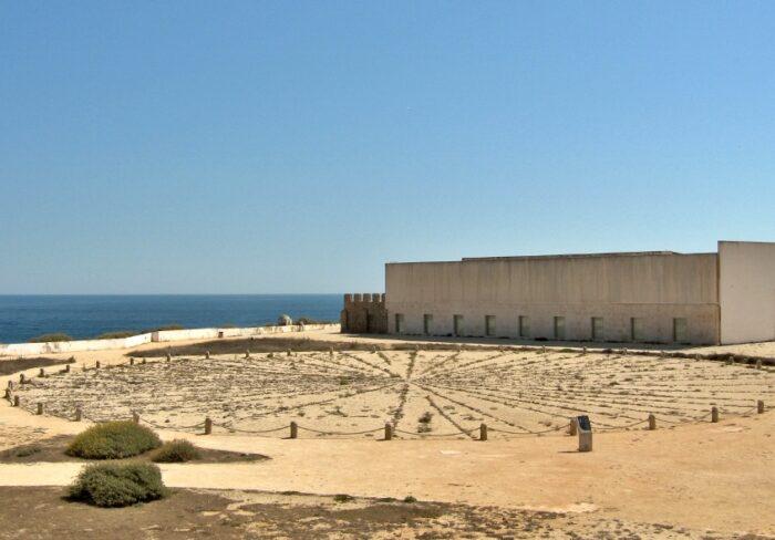 Fortaleza de Sagres mit Steinkreis