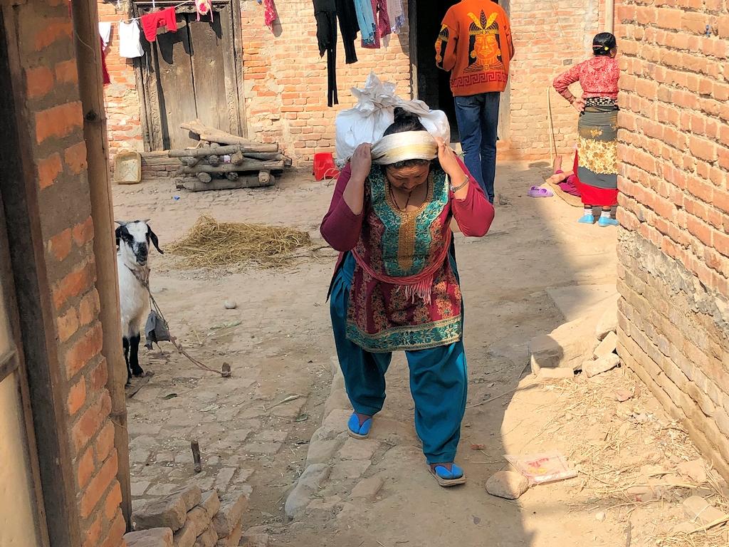 Aufbau der beim Erdbeben 2015 zerstörten Häuser