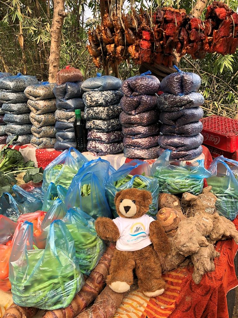 Einkaufsmöglichkeit an einer Straße in Nepal