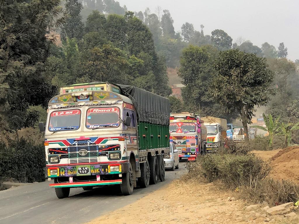 Straßenverkehr in Nepal