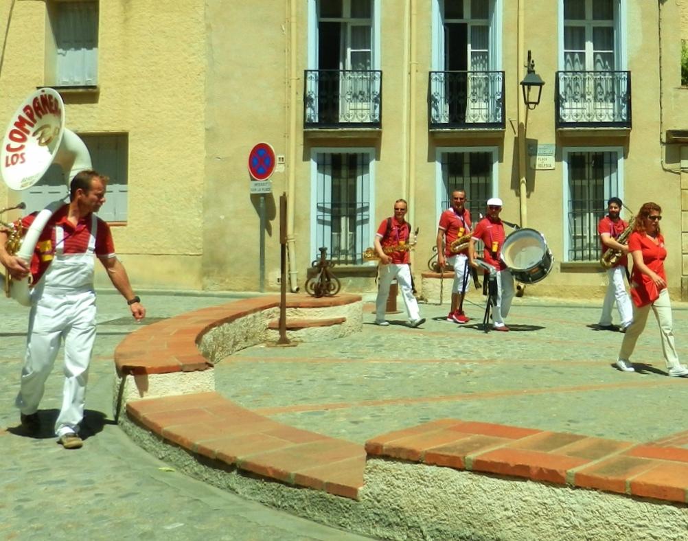 Languedoc-Roussillon - Céret, Bandas auf dem Kirschfest