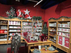 Weihnachtsabteilung in der Glasmanufaktur