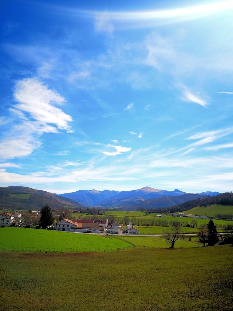 Die Pyrenäen am Horizont