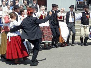 Folkloredarbietung in Oradea