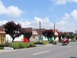 Weiter geht es durch die bunten und ordentlichen Dörfer von Siebenbürgen