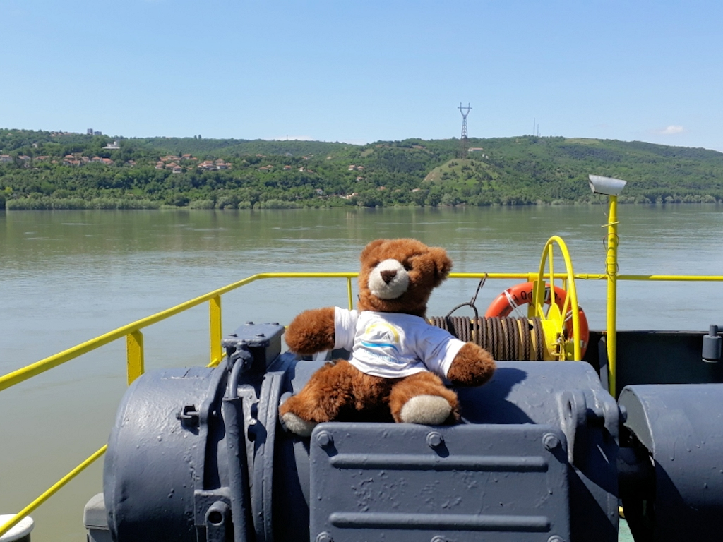 Bulgarien - Urlaubär auf Donaufähre