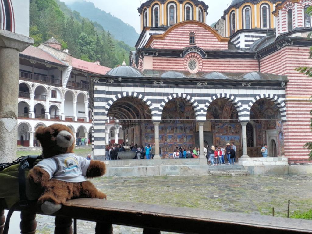 Bulgarien - Urlaubär im Rila-Kloster