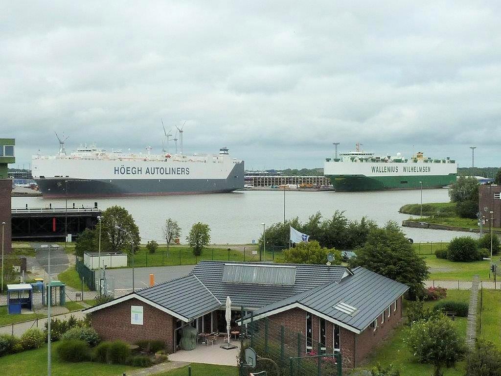 Autotransportschiffe in Bremerhaven