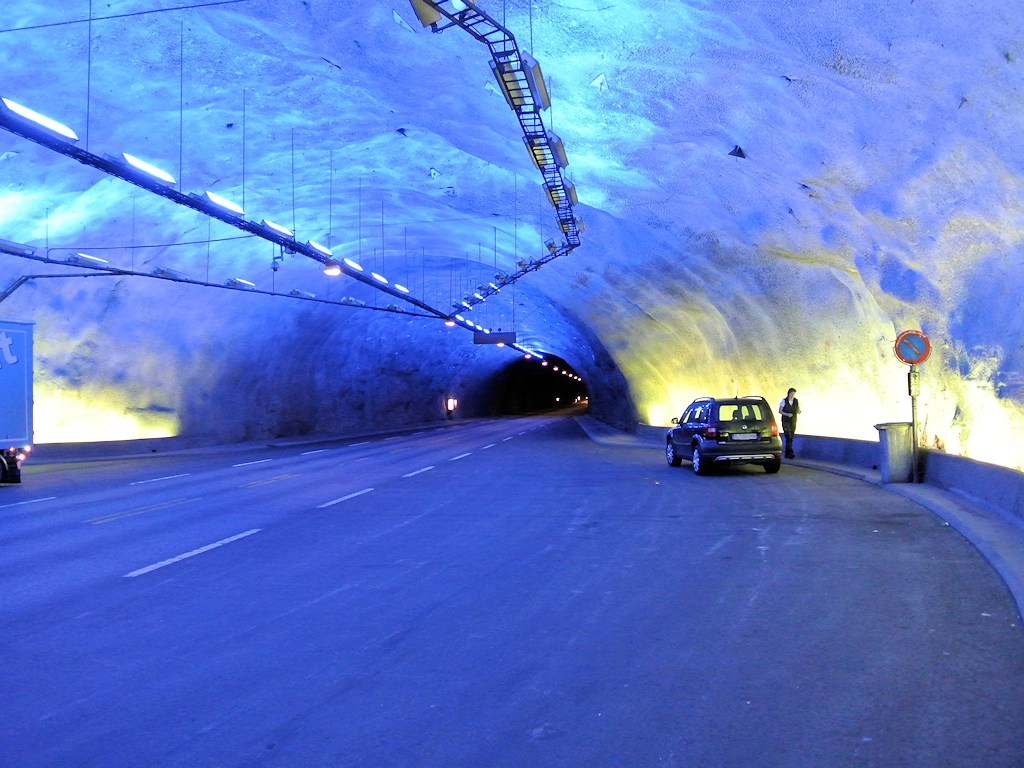Roadtrip durch Norwegen - Im Lærdalstunnel