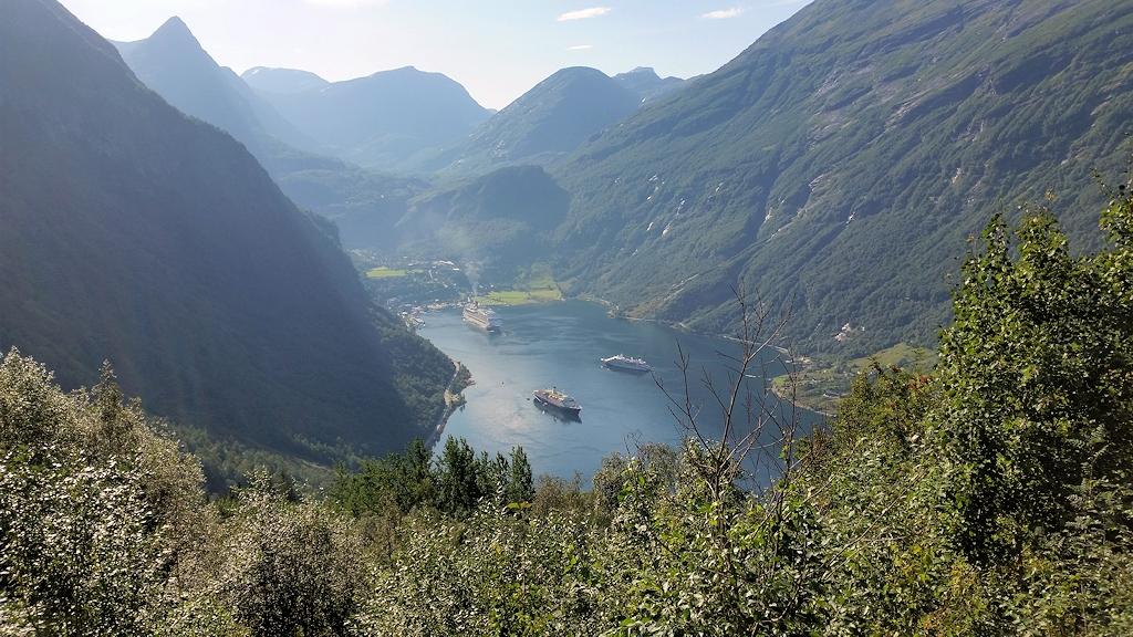 Blick auf Geirangerfjord und Geiranger