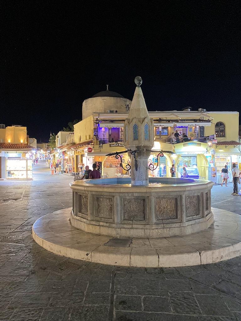 Eulenbrunnen in der Stadt Rhodos