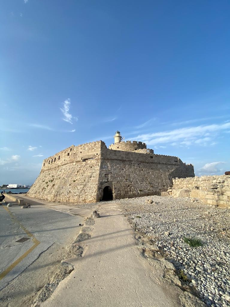 Am Hafen von Rhodos