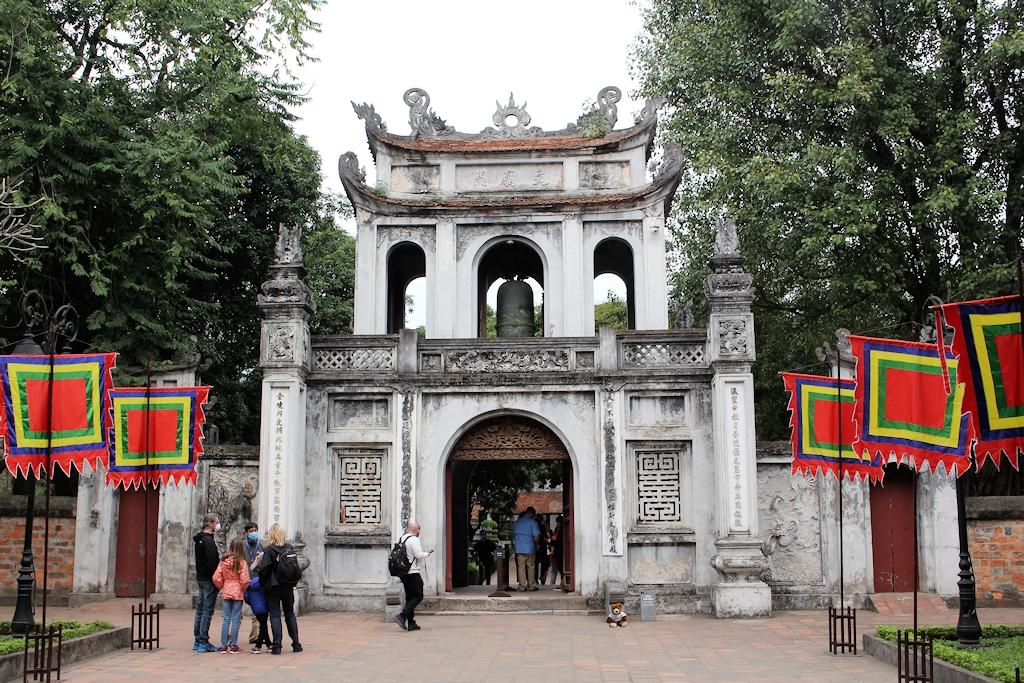 Vietnam - Der Urlaubär in Hanoi (Bitte genau hingucken)